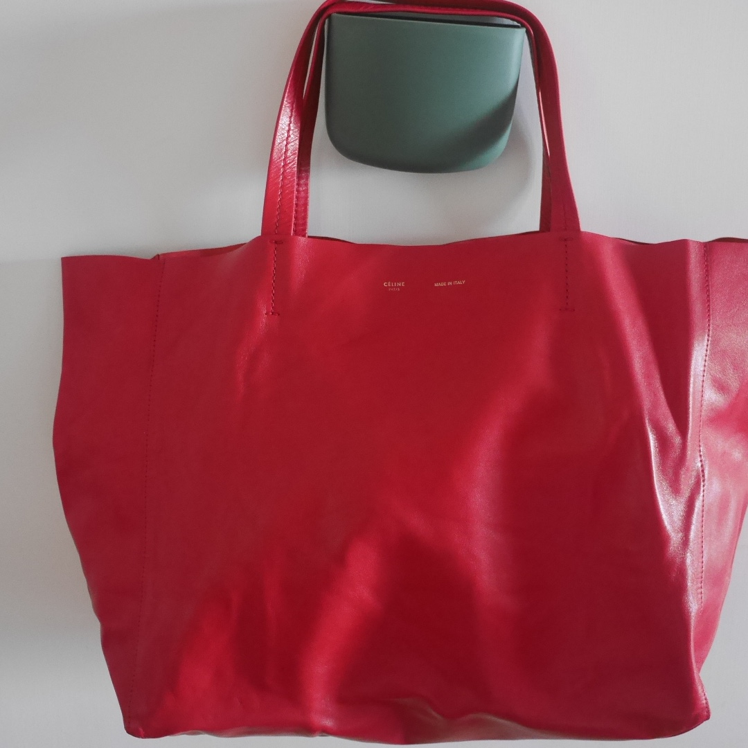 e4cfa39ab5 CELINE - Horizontal Cabas Leather Tote Bag in Bright Red
