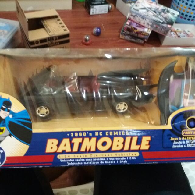 Corgi 1:24 Batmobile