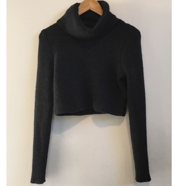 CROPPED NASTY GAL TURTLE NECK SWEATER