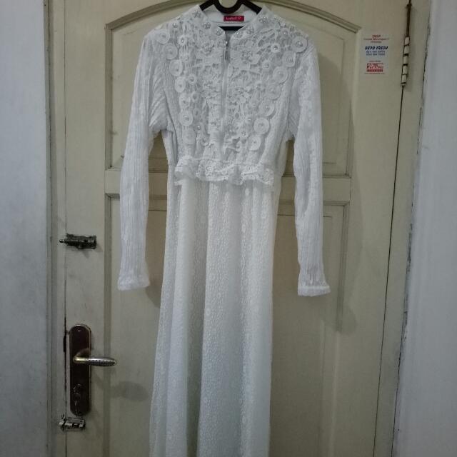 Dress Bruket white Mote2