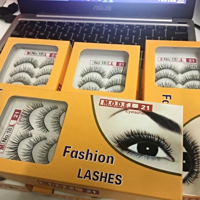 x4 Boxes of False Eyelashes