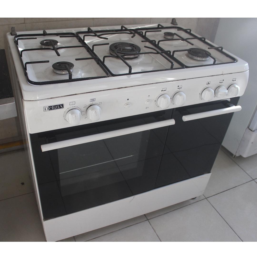gas kitchen stove. Photo Gas Kitchen Stove