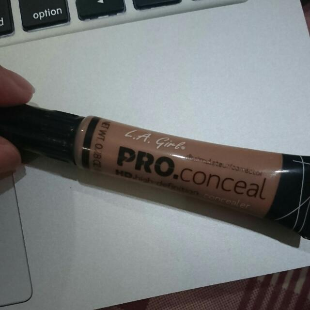 L.A. Girl Pro Conceal Medium Bisque
