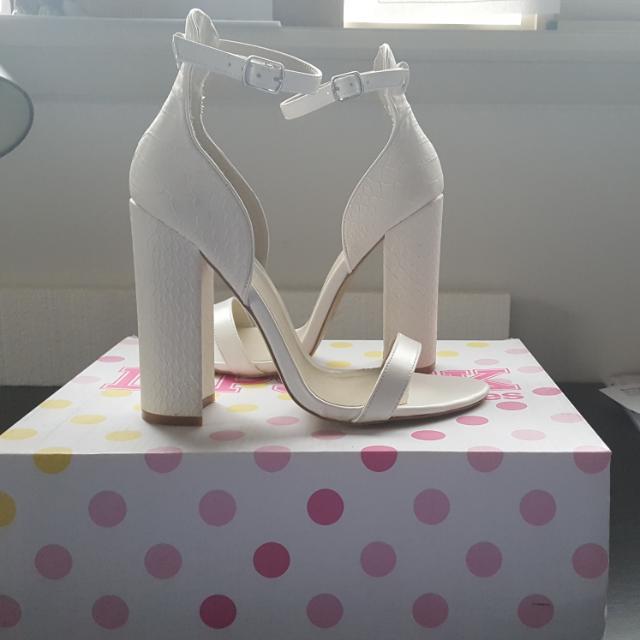 Lipstik White Heels Size 8.5