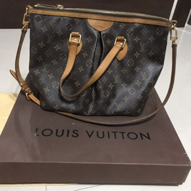 LOUIS VUITTON Monogram Canvas Palermo PM Bag 6f92cc7e7cba3
