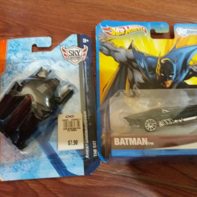 Matchbox The Bat And Hotwheels DC batmobile Set
