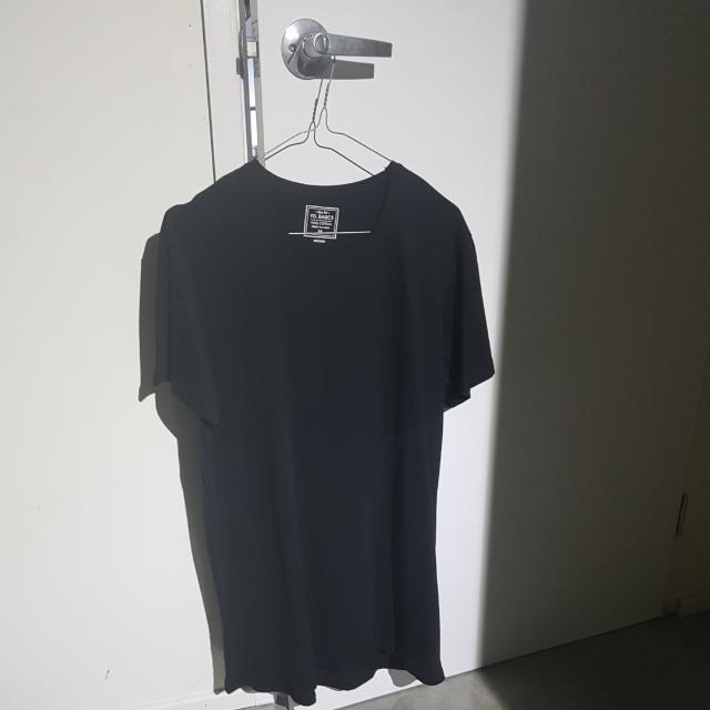 Plain Black T- Shirt YD.