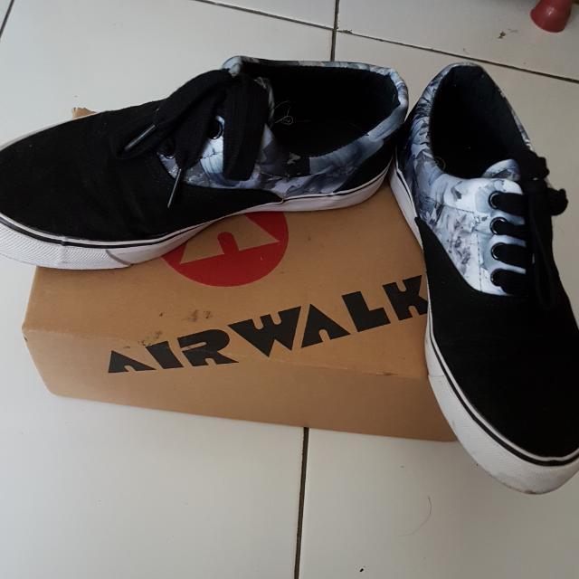 Preloved Airwalk Shoes