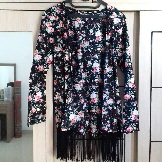 Preloved Fringe Outer (Bunga-Bunga)