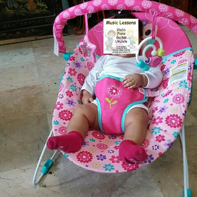 REPRICED! Pre-owned Baby Vibrating Bouncer