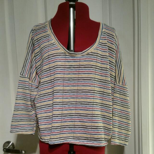Size 6-8 Three Quarter Sleeve Top
