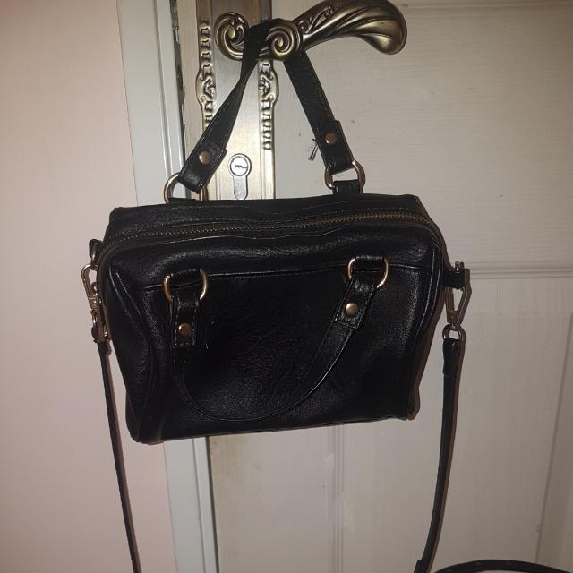 tas stradivarius hitam / stradivarius bowling bag black