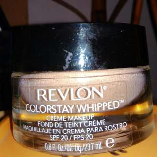 FOUNDATION / CREAM MAKE UP REVLON COLORSTAY WHIPPED, SHADE MEDIUM BEIGE / NUMBER 250, SPF 20.