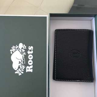 Roots Passport Holder
