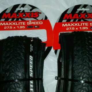 MAXXIS MAXXLITE SPEED 27.5x1.95 ULTRALIGHT TIRES 超輕外呔 ,340g,170TPI $400 1對 , 送撬呔棒2枝