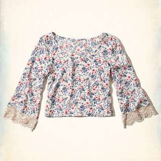 Hollister Spring Valley Peasant Top