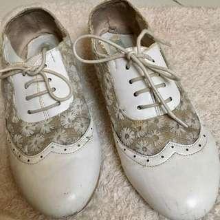 Le Bunny Bleu Lace Shoes