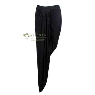 黑色開衩斜口裙