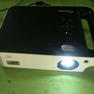 VIVITEK D740MX投影機