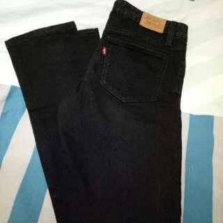 Authentic Black Mid Rise Levi Jeans