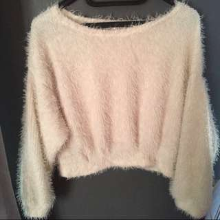 Sweater Bulu Crop
