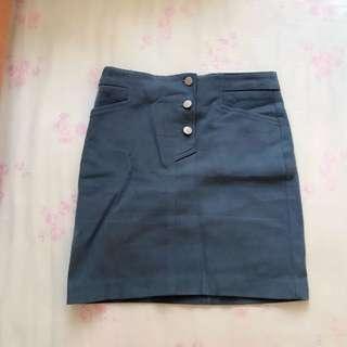 灰藍色短裙