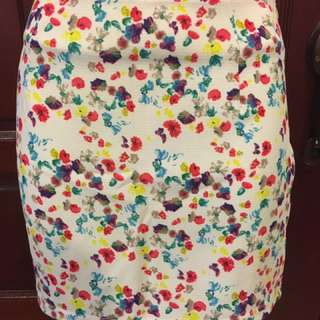Cream Floral Short Skirt