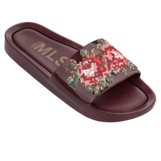 9d5c7a538a  NEW  Melissa Beach Slide Flower (FREE DOOR STEP DELIVERY)