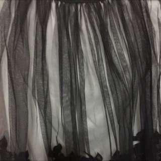 黑紗白底紗裙