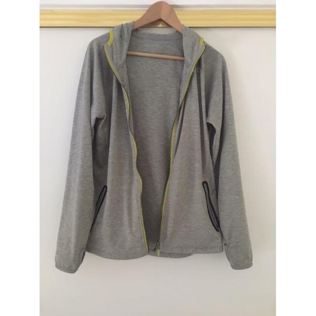 2XU Grey Hoodie Size L