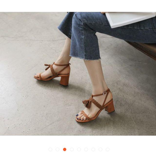 流蘇麂皮跟鞋