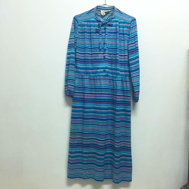 覺得很夏天的藍色條紋長袖洋裝🏄