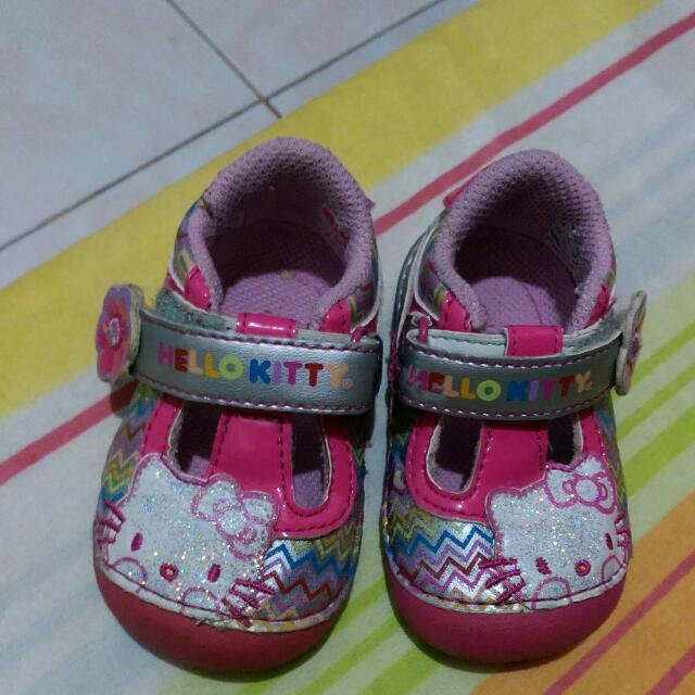 Baby's Hello Kitty Shoes. Size 3m Us  From US