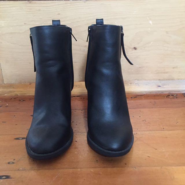 Black Spurr Boots