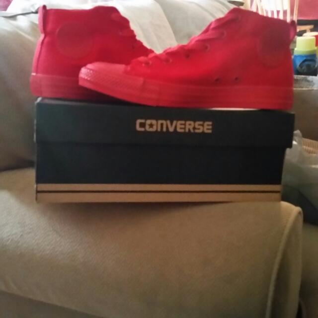 Bnib new low price  Bright Red Low Cut Chuck Taylor's