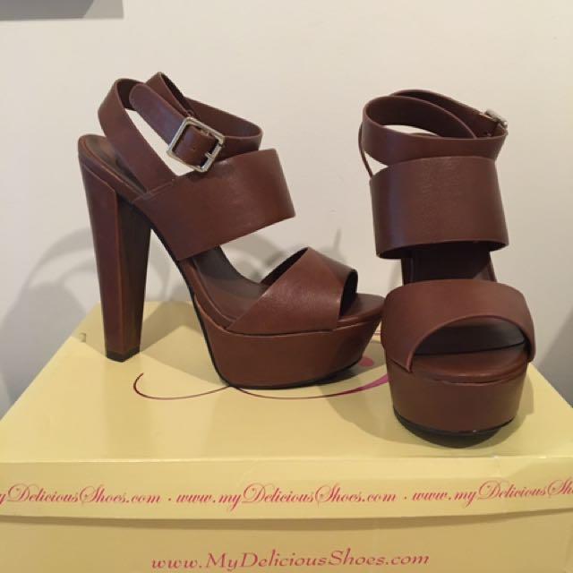 Brown Heels Size 7 1/2