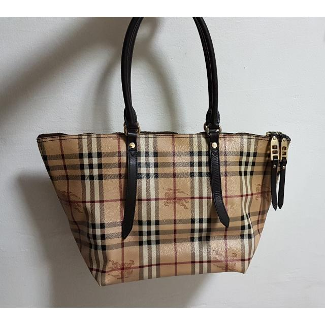 e3b64d227 Burberry Haymarket Colours Salisbury Tote Bag Small, Women's Fashion, Bags  & Wallets on Carousell