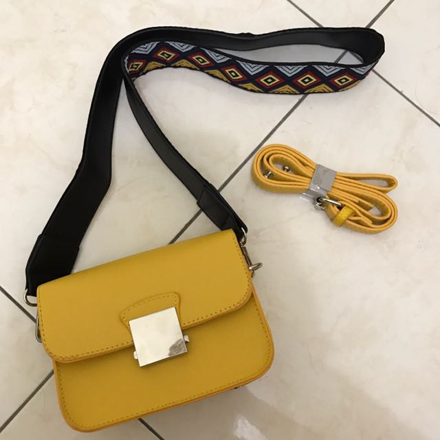 Crossbody Bag With Multicolour Strap