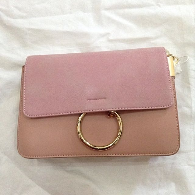 Dusty Pink Ring Chain Slingbag