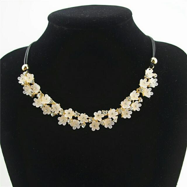 Flower Leather Rope Necklaces