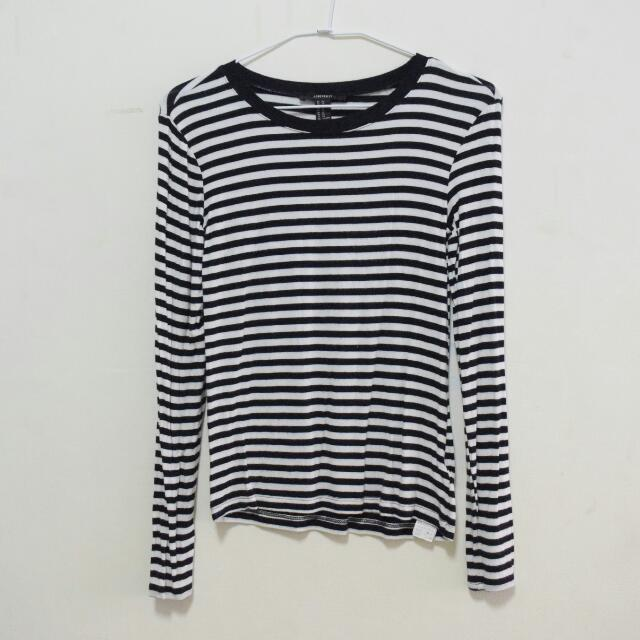 FOREVER 21 Stripes Longsleeves Tee