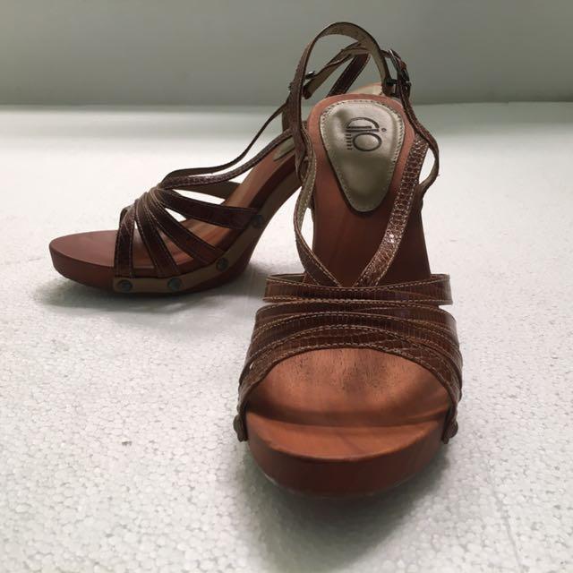 Gio Heels