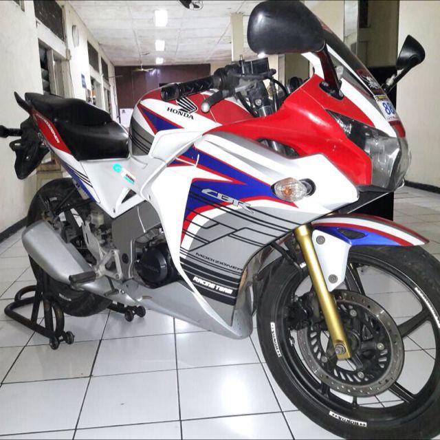 Honda CBR150R Tahun 2011