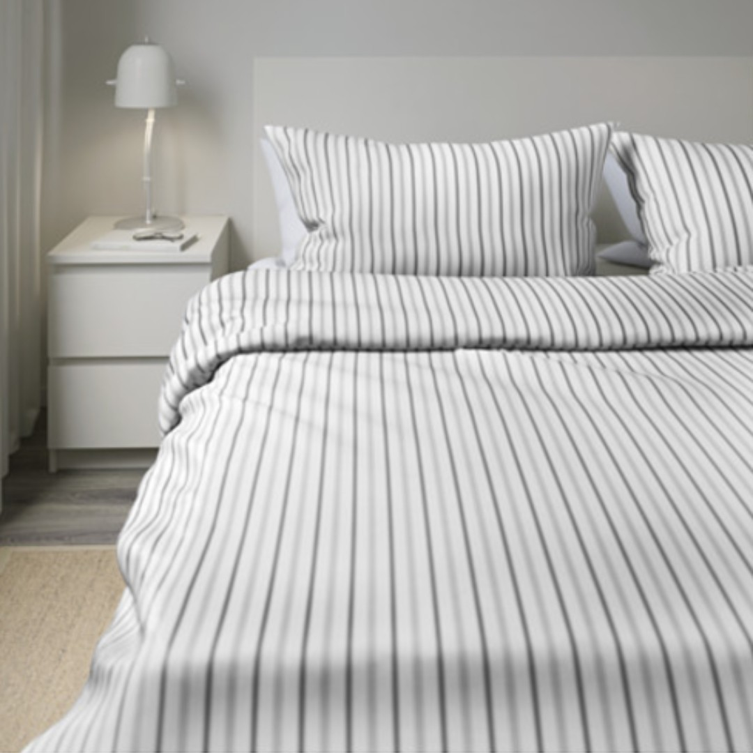 IKEA Hostoga Duvet Cover with 4 pillowcases