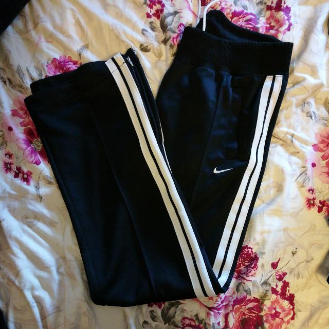 (Reduced) Nike Trackpants (J)