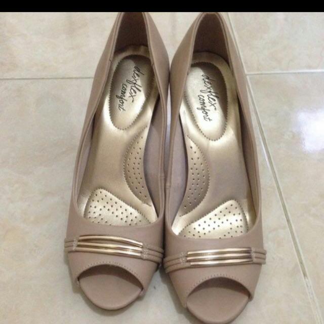 payless-dexflex comfort heels