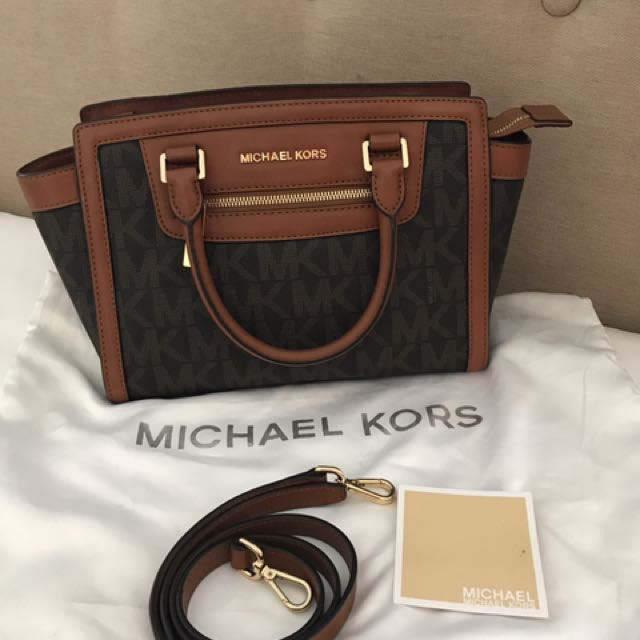 Authentic Michael Kors Medium Zip Selma Satchel