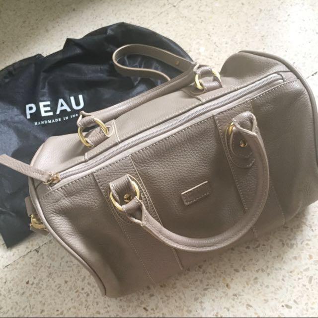 Reprice atour beige by PEAU