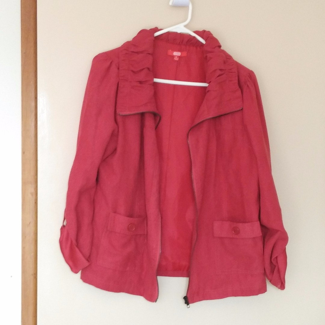 ruffle collar red jacket