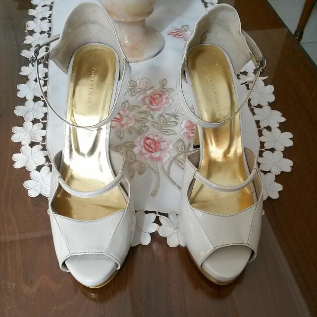 Reprice!!! Sepatu Broken White Gold High Heels